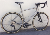 seven axiom disc custom titanium road bike
